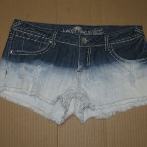 Almost Famous Women's Jean Shorts    Size: 11